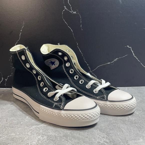 Converse Chuck Taylor Black/White Size 7.5M 9.5L